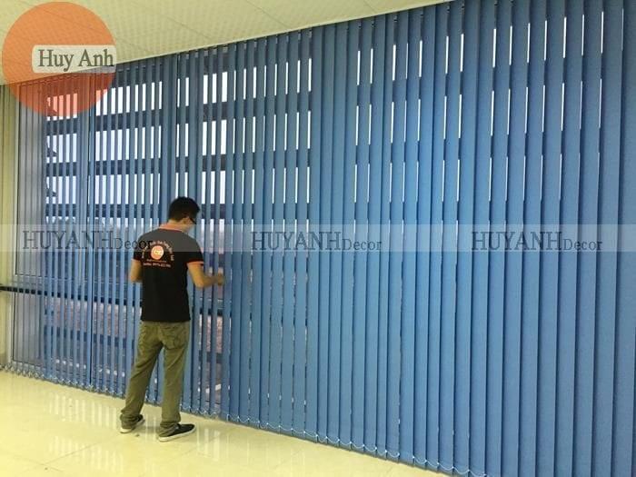 Lắp đặt và thi công rèm cửa lá dọc
