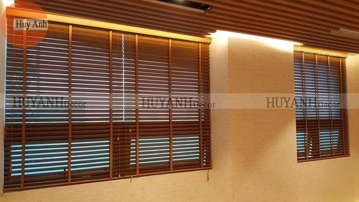 Lắp đặt 80 mét rèm gỗ cao cấp phòng spa tại lô 9 KCN Vĩnh tuy, Q.Hoàng mai