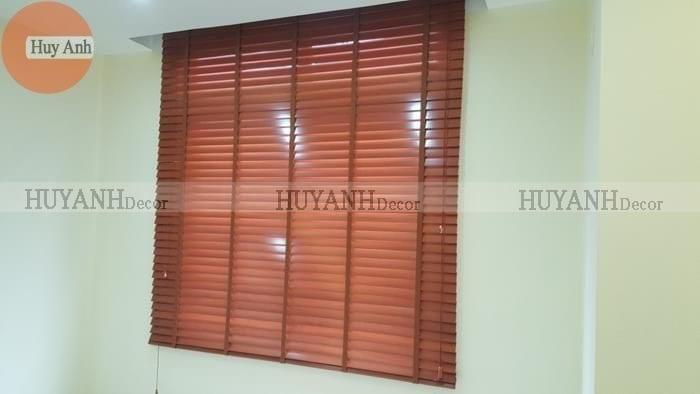 Rèm gỗ cao cấp basswood, giá 599.000 vnđ bảo hành 3 năm.
