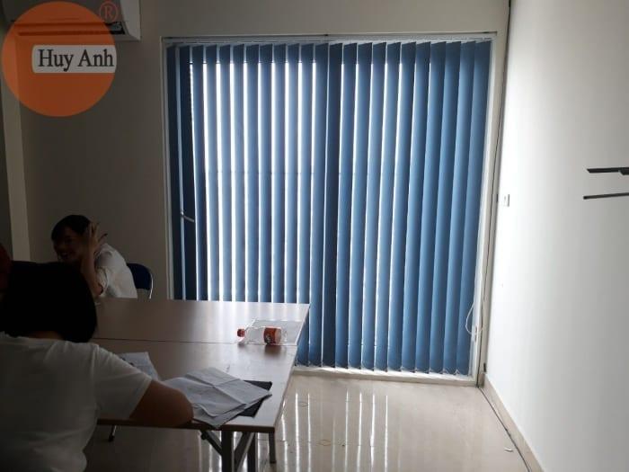 Lắp đặt rèm văn phòng đẹp chống nắng tốt, hiện đại giá từ 180k 1m2
