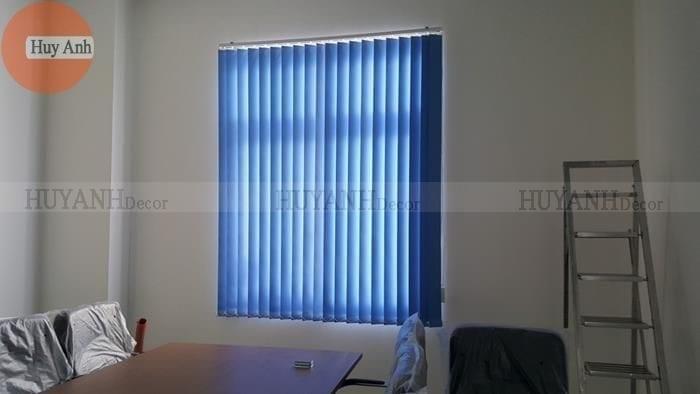 rèm cửa văn phòng màu xanh