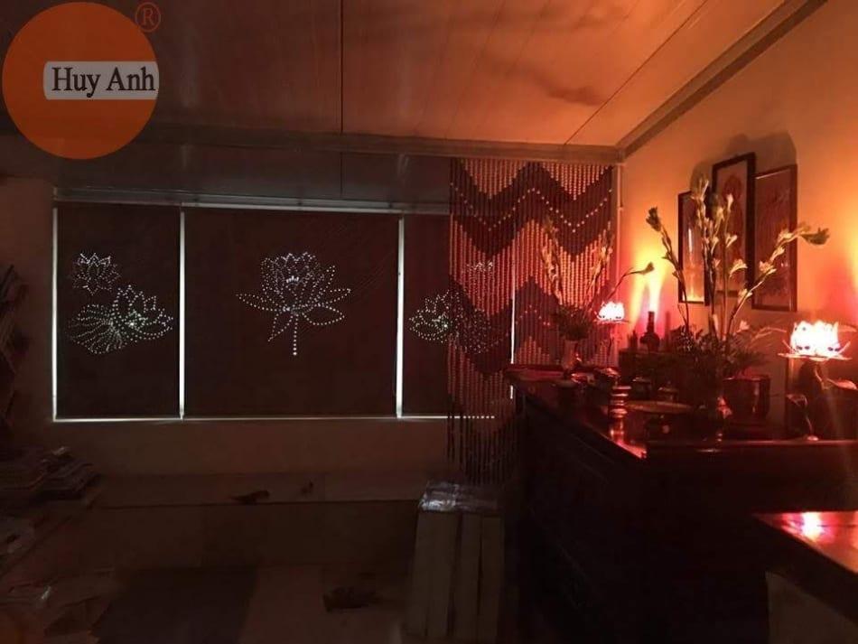 Rèm phòng thờ khắc hình hoa sen