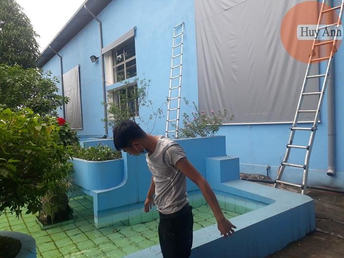 Bạt cuốn ngoài trời che nắng mưa cho cửa sổ tại Phạm Hùng
